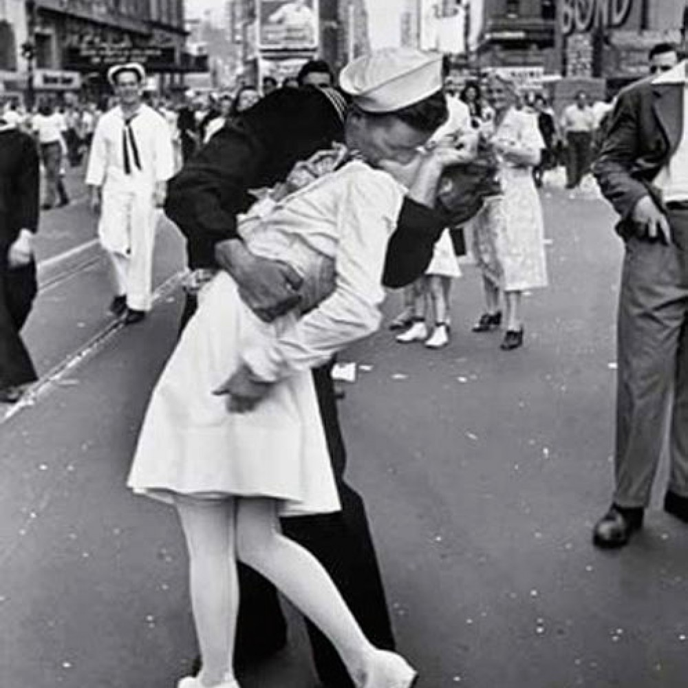 L'iconico VJ Day a Times Square - Alfred Eisenstaedt
